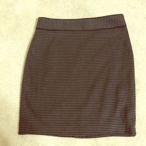 NWT Banana Republic Houndstooth Skirt